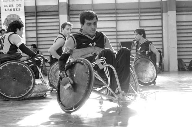 Rugby en silla de ruedas un deporte para volver a sentirse taringa - Deportes en silla de ruedas ...