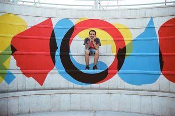 Un joven cordobés que va por el mundo dejando su marca en las paredes